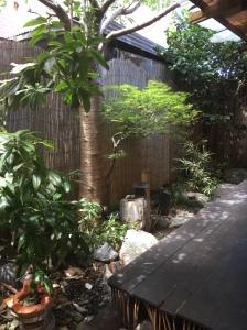 Japanese style courtyard at Wabi Sabi Salon in Collingwood